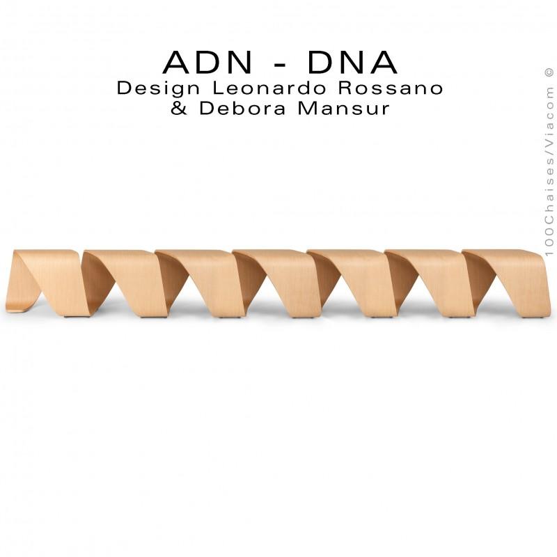 Banc d'attente 7 places - ADN aux formes hélicoïdales en contreplaqué finition placage chêne naturel.