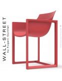 Fauteuil design WALL-STREET, pour extérieur ou terrasse, structure et assise coque plastique rouge.