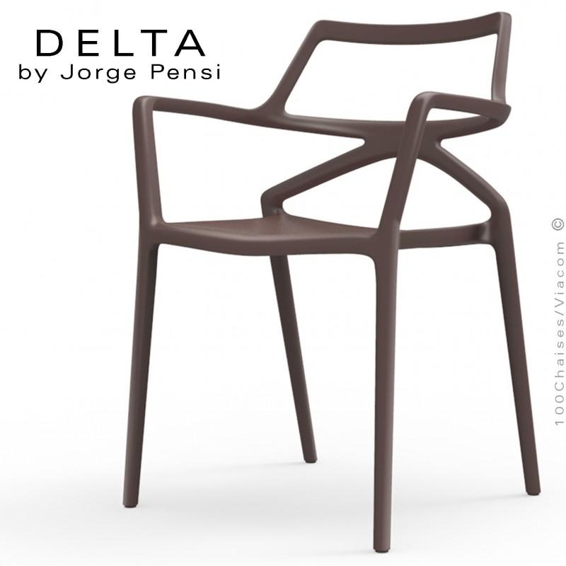 Fauteuil design DELTA, structure, assise et accoudoirs plastique couleur bronze.