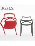 Fauteuil design DELTA, structure assise et accoudoirs plastique couleur et fibre de verre.