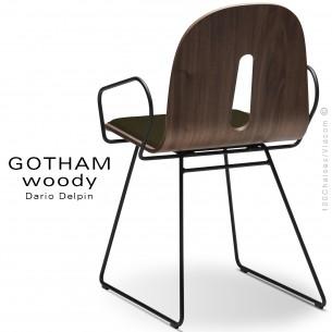 Fauteuil GOTHAM WOODY-SL-P-I, piétement luge noir, assise et dossier bois noyer, habillage tissu 404marron.