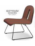 Chaise GOTHAM WOODY lounge, piétement noir, assise et dossier noyer, tissu 302rouge.