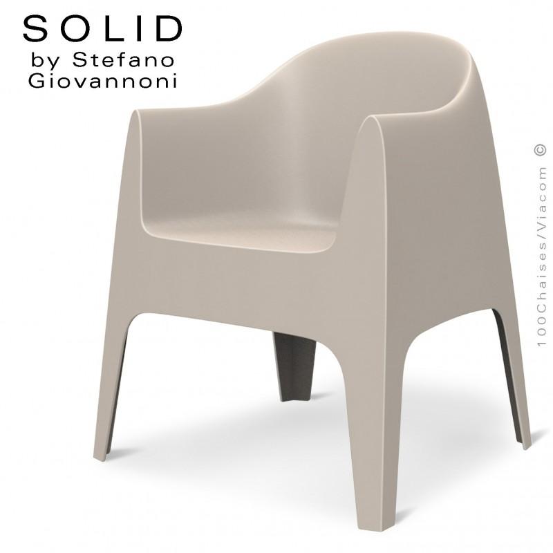 Fauteuil design SOLID, pour l'extérieur et terrasse, structure, assise, accoudoirs coque plastique couleur écru.