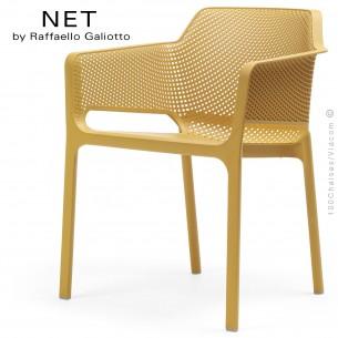 Fauteuil design NET, structure et assise plastique couleur jaune moutarde.