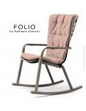 Fauteuil à bascule design FOLIO, structure et assise plastique gris tourterelle, avec coussin tissu rose.