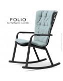 Fauteuil à bascule design FOLIO, structure et assise plastique noir, avec coussin tissu bleu.