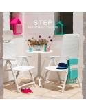 Collection Table STEP, plateau rond plastique ajouré, piétement colonne centrale plastique.