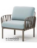 Fauteuil KOMODO, plastique gris tourterelle, coussin tissu bleu clair.