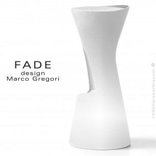 Tabouret lumineux design FADE, structure plastique blanche avec repose pieds, pour terrasse en bord de mer ou à la montage.