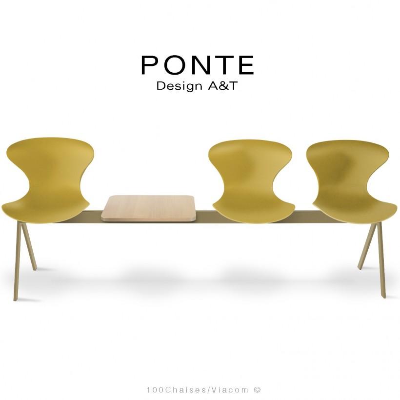 Banc PONTE, 3 places, piétement acier peint jaune olive, coque plastique couleur jaune, tablette bois.