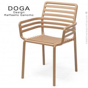 Fauteuil design DOGA, structure, assise plastique monobloc couleur café.