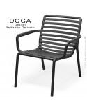 Fauteuil lounge design DOGA relax, structure et assise plastique monobloc couleur anthracite.