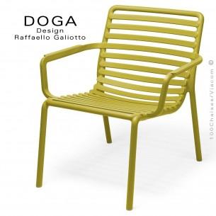Fauteuil lounge design DOGA relax, structure et assise plastique monobloc couleur jaune d'Or.