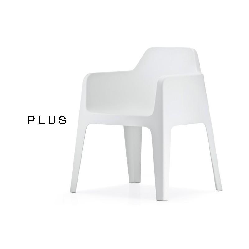 PLUS fauteuil design plastique de couleur blanc.