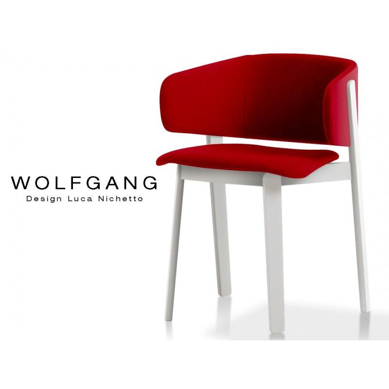 WOLFGANG white fauteuil design bois, capitonné couleur rouge.