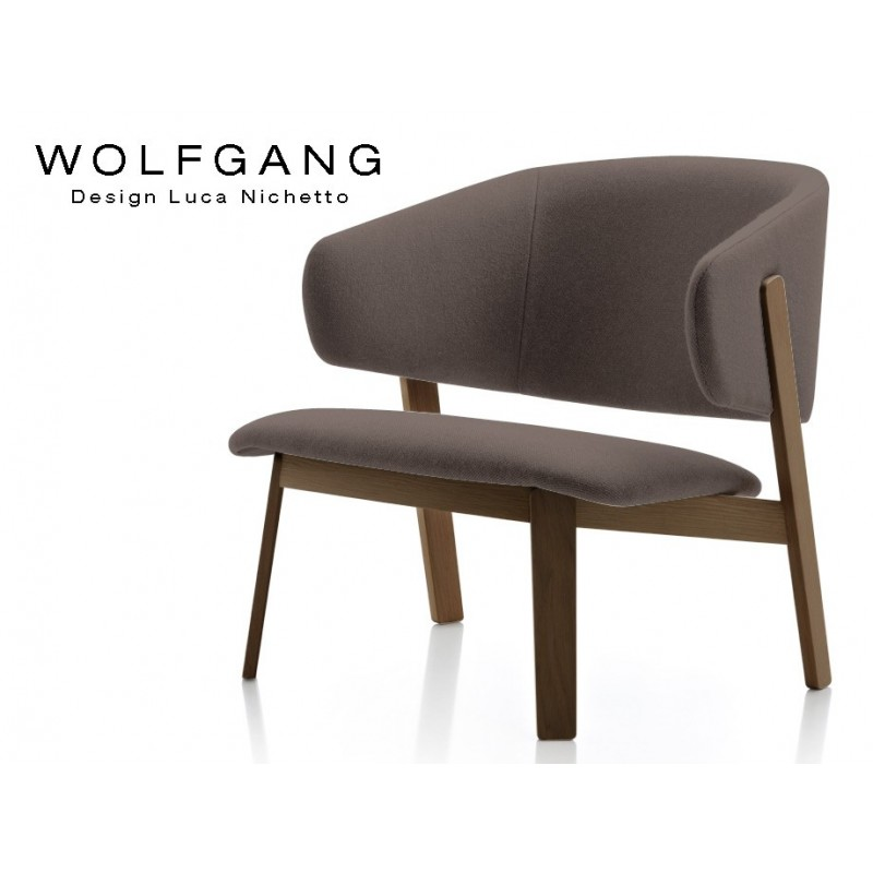 WOLFGANG lounge, fauteuil design bois, finition tabac, assise capitonné marron.