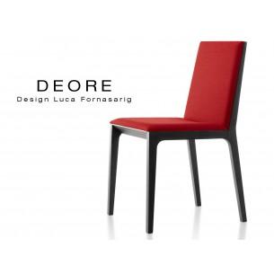 DEORE chaise design bois finition peinture noir, assise capitonnée rouge.