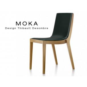 Chaise design MOKA en bois, vernis hêtre naturel, assise rembourrée, capitonnée cuir noir.