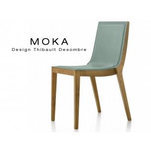 Chaise design MOKA en bois assise capitonnée cuir couvrant collé gris perle.
