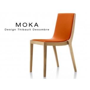 Chaise design MOKA en bois assise capitonnée tissu King-L, couleur orange.