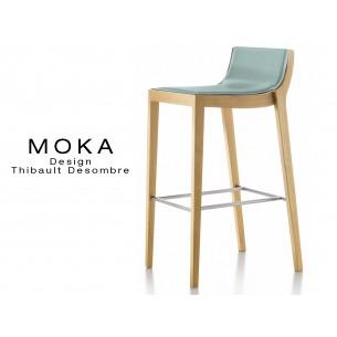 Tabouret design MOKA en bois finition hêtre naturel, assise capitonnée cuir couvrant collé couleur gris perle.