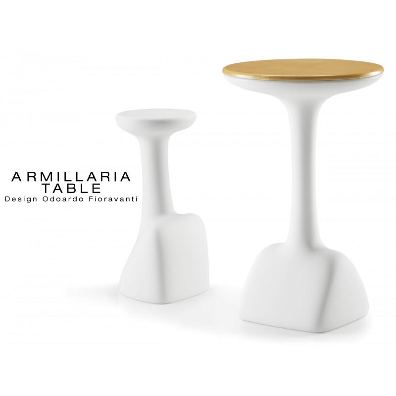 ARMILLARIA table design pour terrasse et jardin, piétement blanc, plateau en bois de bouleau.