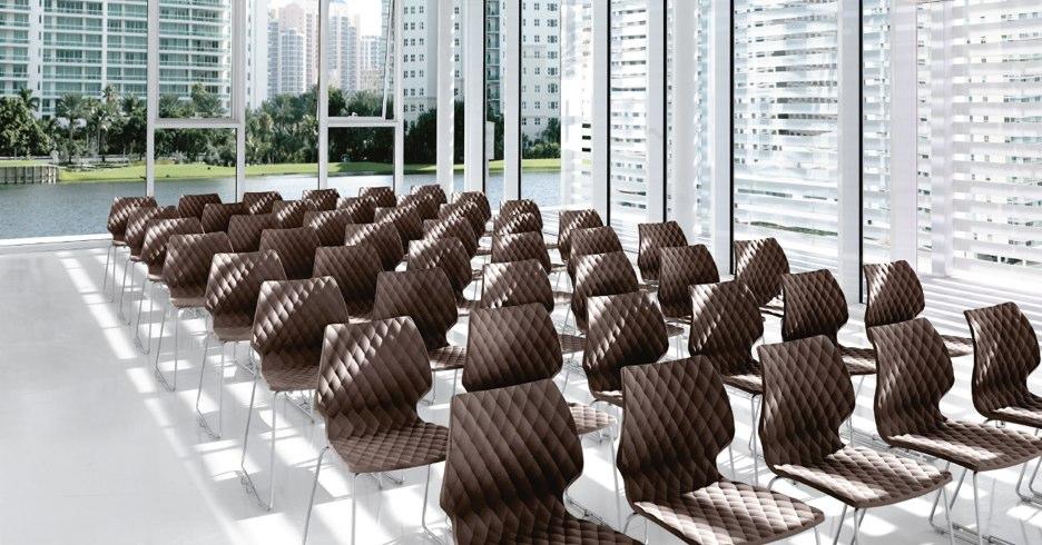 Des meubles d'entreprise design pour équiper vos salles de réunion!